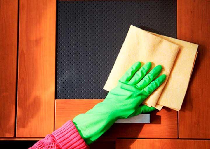 Для лучшего действия «Дохлокс» необходимо регулярно проводить уборку на кухне