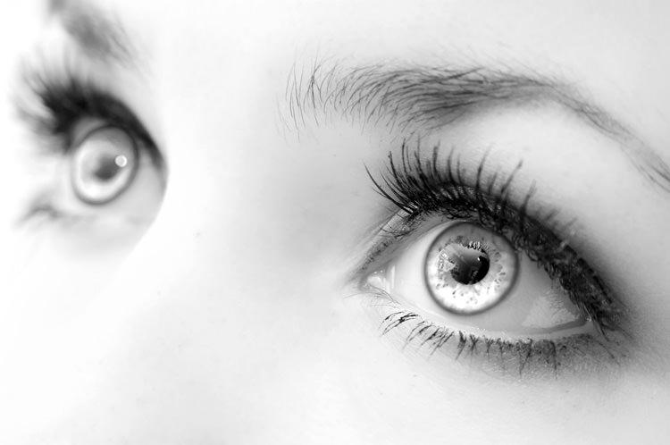 Стоит опасаться попадания препарата на слизистые и в глаза