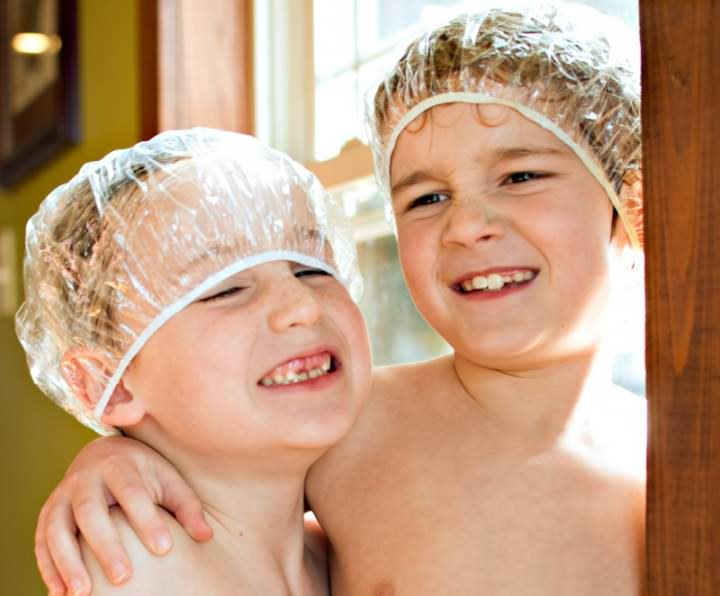 Средство подходит для уничтожения вшей, их гнид и личинок, у детей с 3-летнего возраста и взрослых