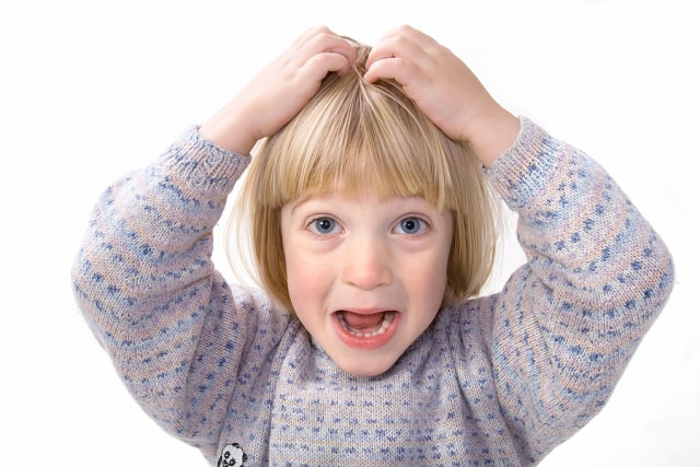 Для лечения детей лучше использовать уксус – он менее вреден и не столь агрессивен при правильном разведении